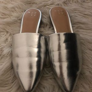 A new day silver mule slide shoes size 7